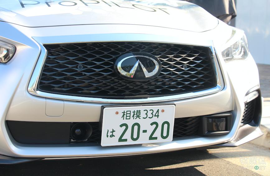 车身前部的毫米波雷达和激光雷达