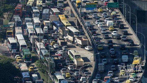 城市交通拥堵问题越来越严峻