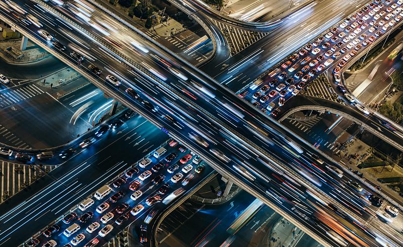 一个服装城市的汽车经济梦
