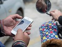 重磅实拍:网络借贷阴影下的悲剧年轻人丨钛媒体影像《在线》