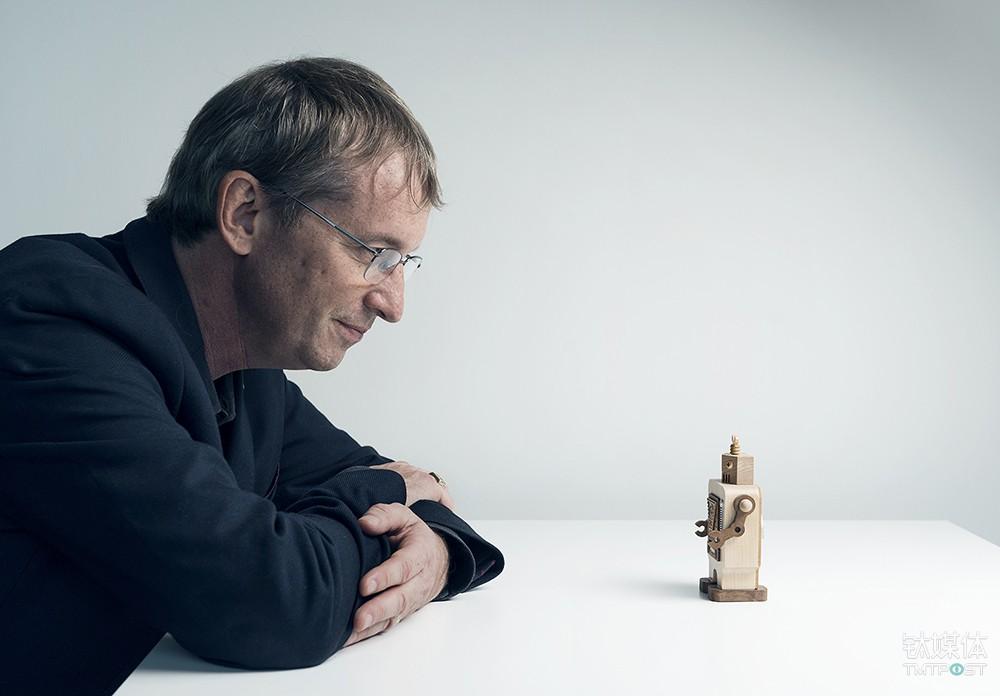 iRobot的CEO及创始人Colin Angle