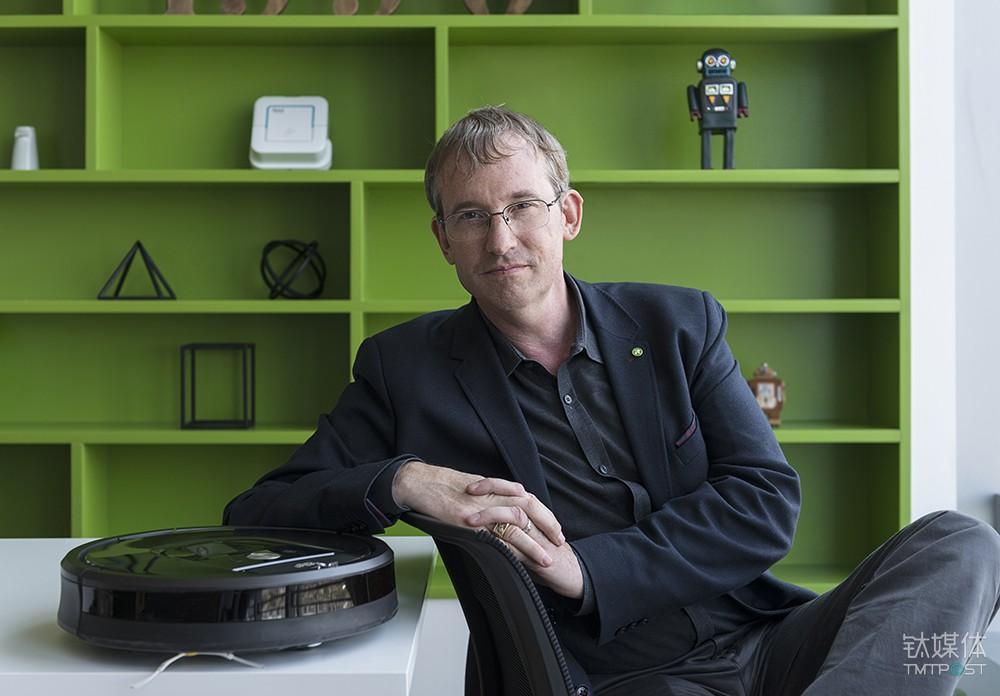 Colin Angle 与 Roomba 产品