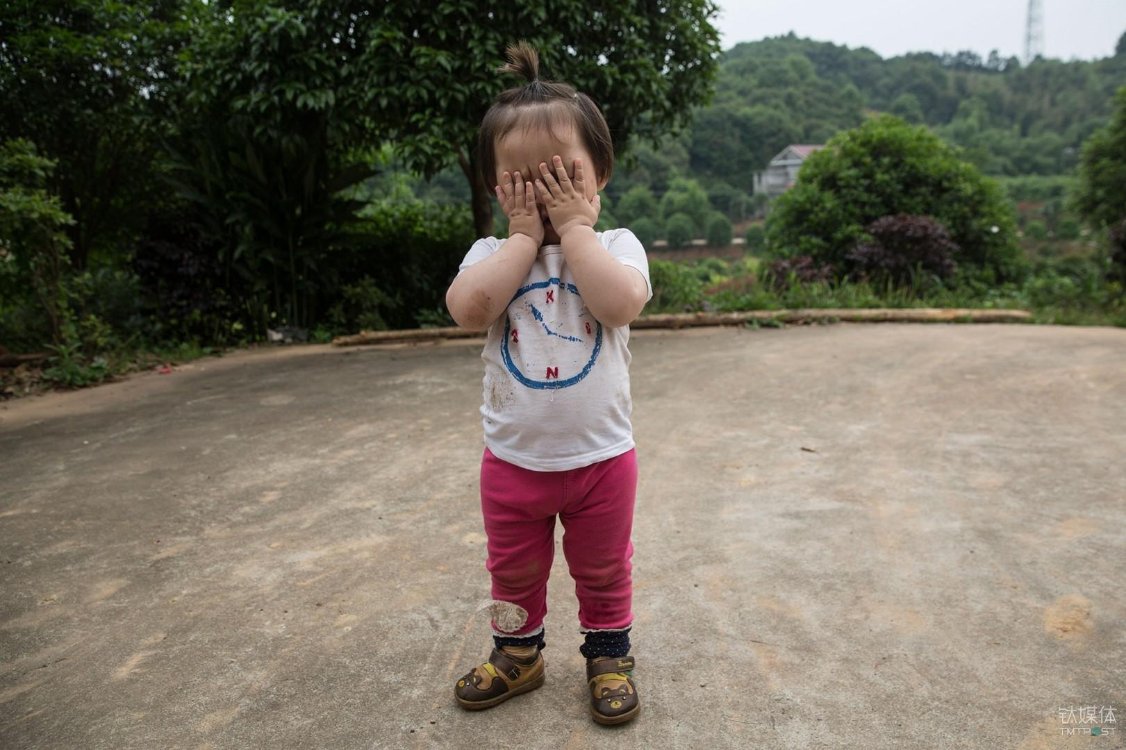 她也拒绝了我。我的小侄女,拒绝我为她拍照。