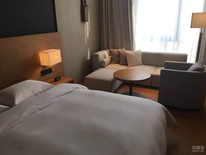 钛媒体记者成为 MUJI HOTEL 413房间的第一位客人。