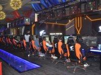 游戏、网吧和电竞馆,电竞大潮里的众生相