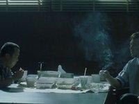 餐桌上的暗战