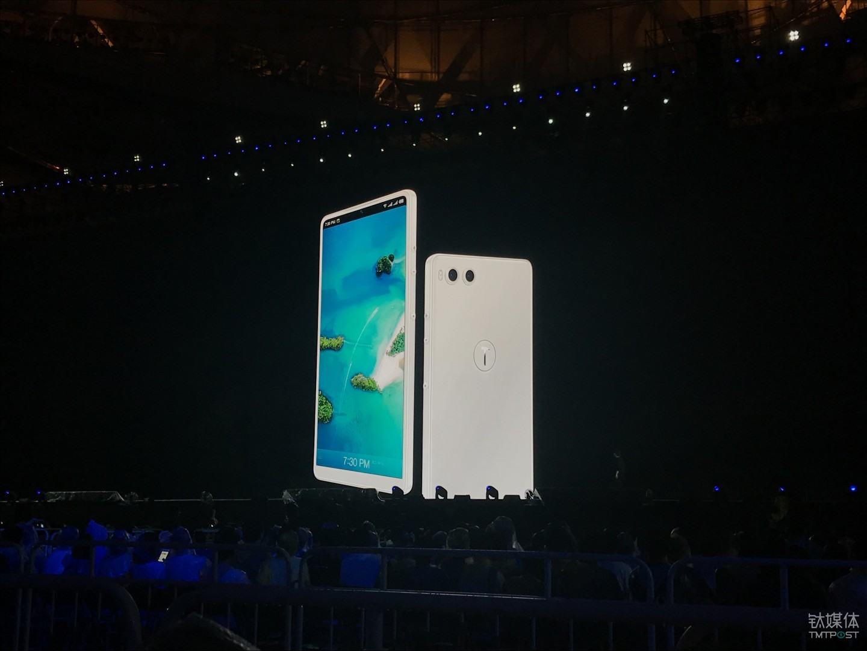 """""""最好看的白色手机"""""""
