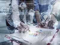 CRM 软件都开始投身小程序了, 想从微信生态里挖掘潜在机会