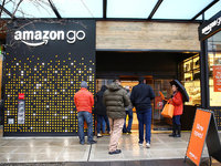 亚马逊广告营收猛增背后:电商落幕,新零售巨头营收趋向多元化