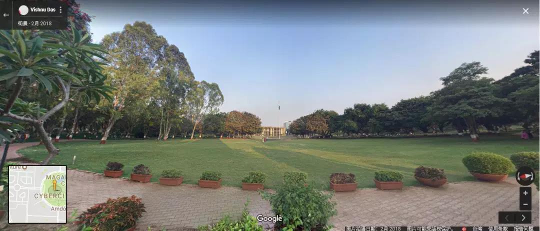 从谷歌地图上下载的Magarpatta City中心绿地的照片,其环境建设之优美完全改变人们对印度脏乱差的印象
