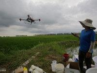 飞越北大荒:植保无人机影响下的新农民丨钛媒体影像《在线》