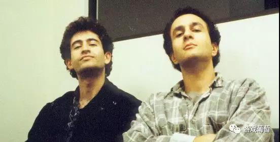 左为Mike Morhaime,右为Allen Adhem