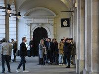 iPhone XR销量罗生门,卖的到底好不好?