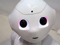 为什么宁肯被吐槽,银行们也要上马那些蠢AI?