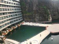 """建了12年的""""深坑酒店""""终于开业,这里是一份来自地下88米的试睡报告"""