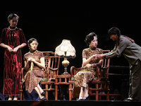 赖声川的幕后推手、胡歌的舞台贵人,8小时经典话剧《如梦之梦》的制作人,都是他   T-EDGE 倒计时 16 天