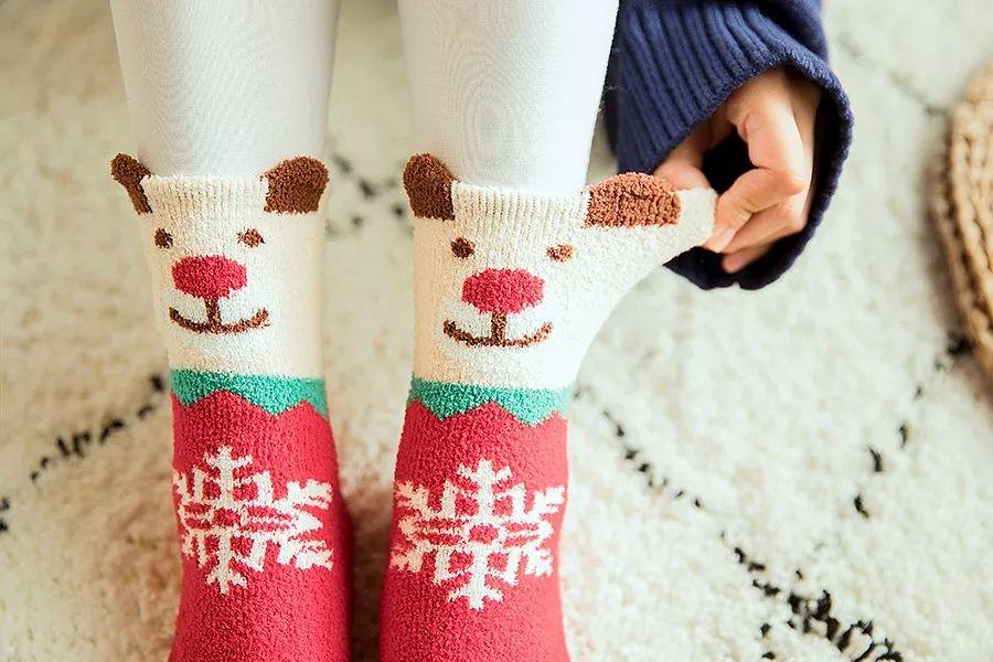 39.8元4双,又萌又暖的圣诞袜礼盒,亲测超舒服 | 钛空爆款