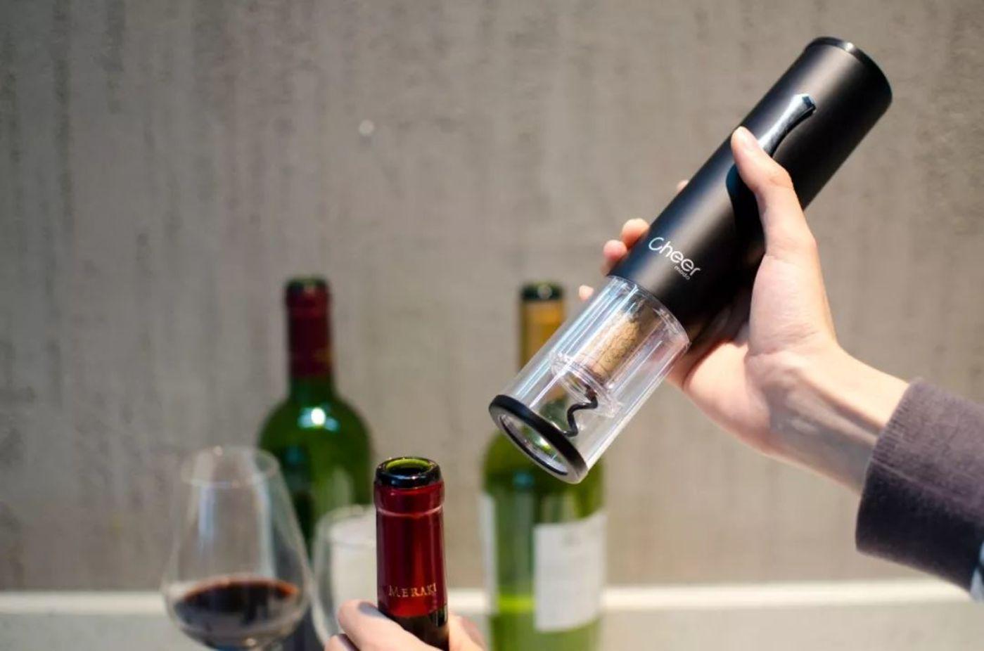 叮咚!6秒开红酒的黑科技,启尔2019猪年开酒器套装送上门啦   最生活