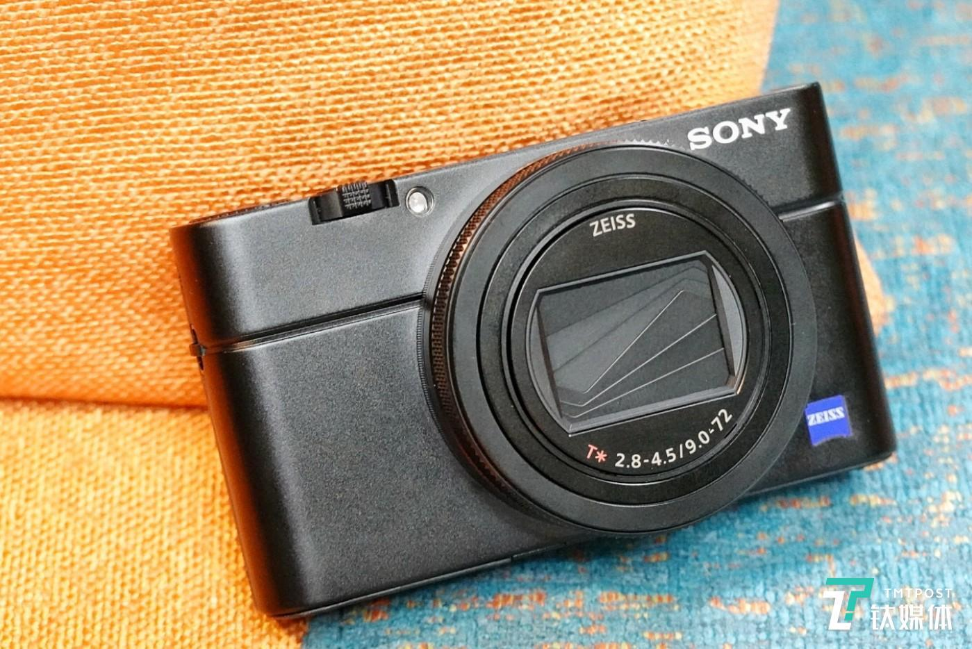 索尼黑卡RX100M6数码相机