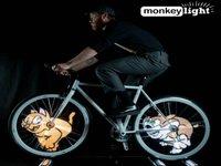 品味:脚踏车轮也加入城市的霓虹闪烁