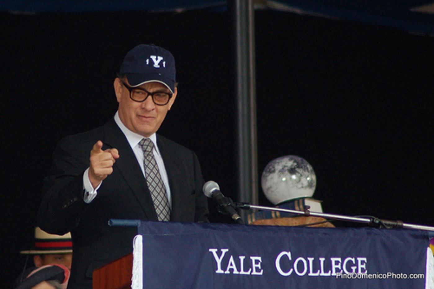 汤姆·汉克斯在耶鲁大学对毕业生演讲