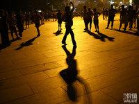 当广场舞社交走向世界......