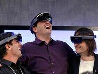 WP输掉的地位,微软要靠HoloLens在下个时代夺回来