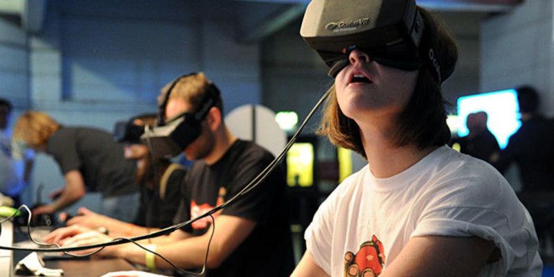 VR技术带来的虚拟世界,会拉近还是拉远人与人的距离?
