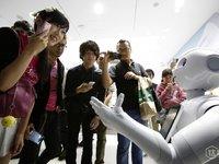 人类该如何跟机器人——这个自然界中的新物种相处?