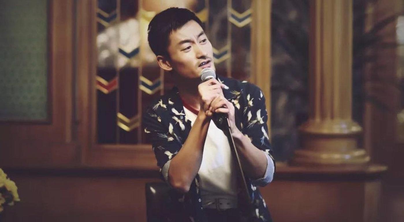 """""""我的梦想,歌舞厅里,只唱歌,桑拿馆里就洗澡""""这是来自电影《乘风破浪》的台词,唱吧为年轻人打造的KTV开了200家,它,不只能唱歌。"""