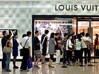 GUCCI与LV的豪门对决,胜负手还是中国消费者