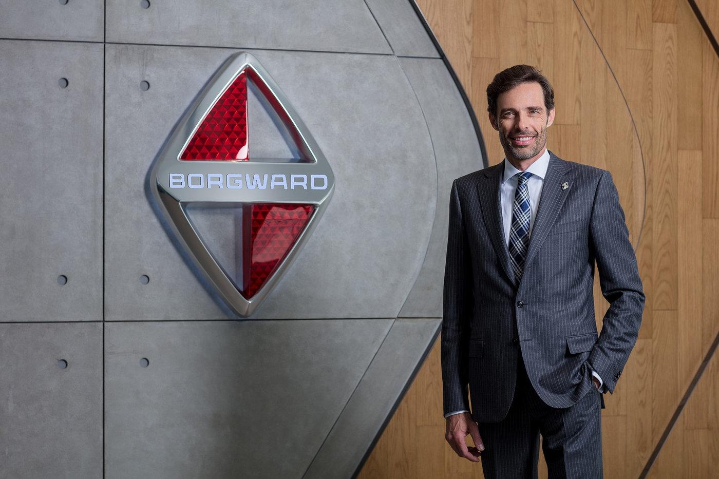 宝沃汽车集团管理董事兼首席技术官(CTO),分管宝沃汽车在北京、斯图加特、硅谷三地的研发中心。