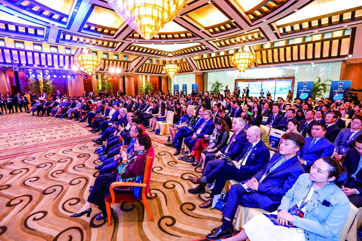 """首届""""龙门创将""""中国赛区总决赛在钓鱼台国宾馆举办。"""