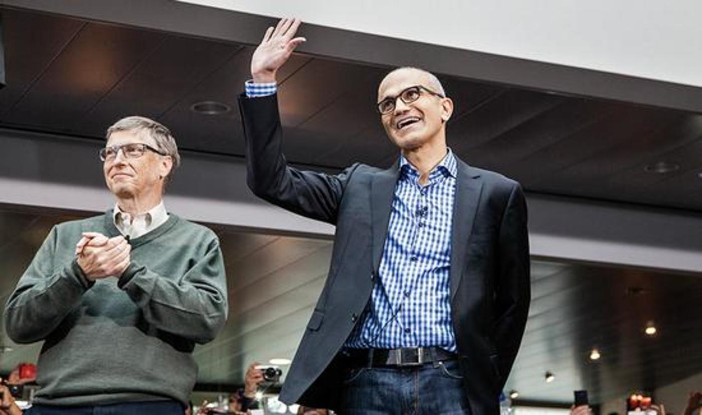 萨蒂亚·纳德拉与微软前CEO比尔·盖茨