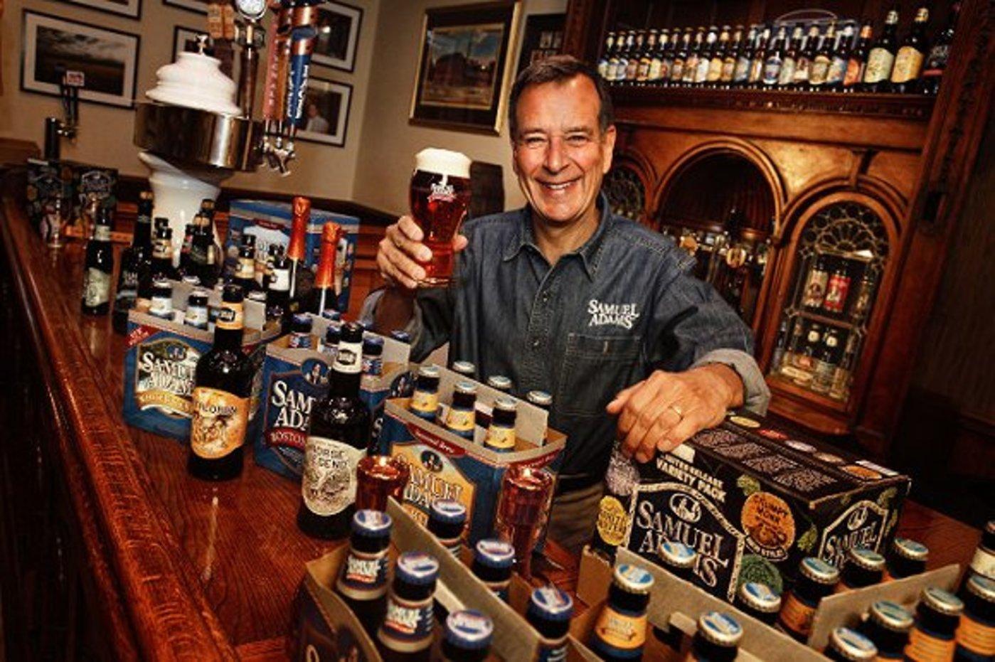 波士顿啤酒公司创始人Jim Koch。他曾于90年代与百威在报纸打营销战