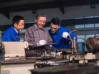 国家标准委服务业部主任杨泽世:数字化转型缺的是复合型人才 丨2018雪浪大会