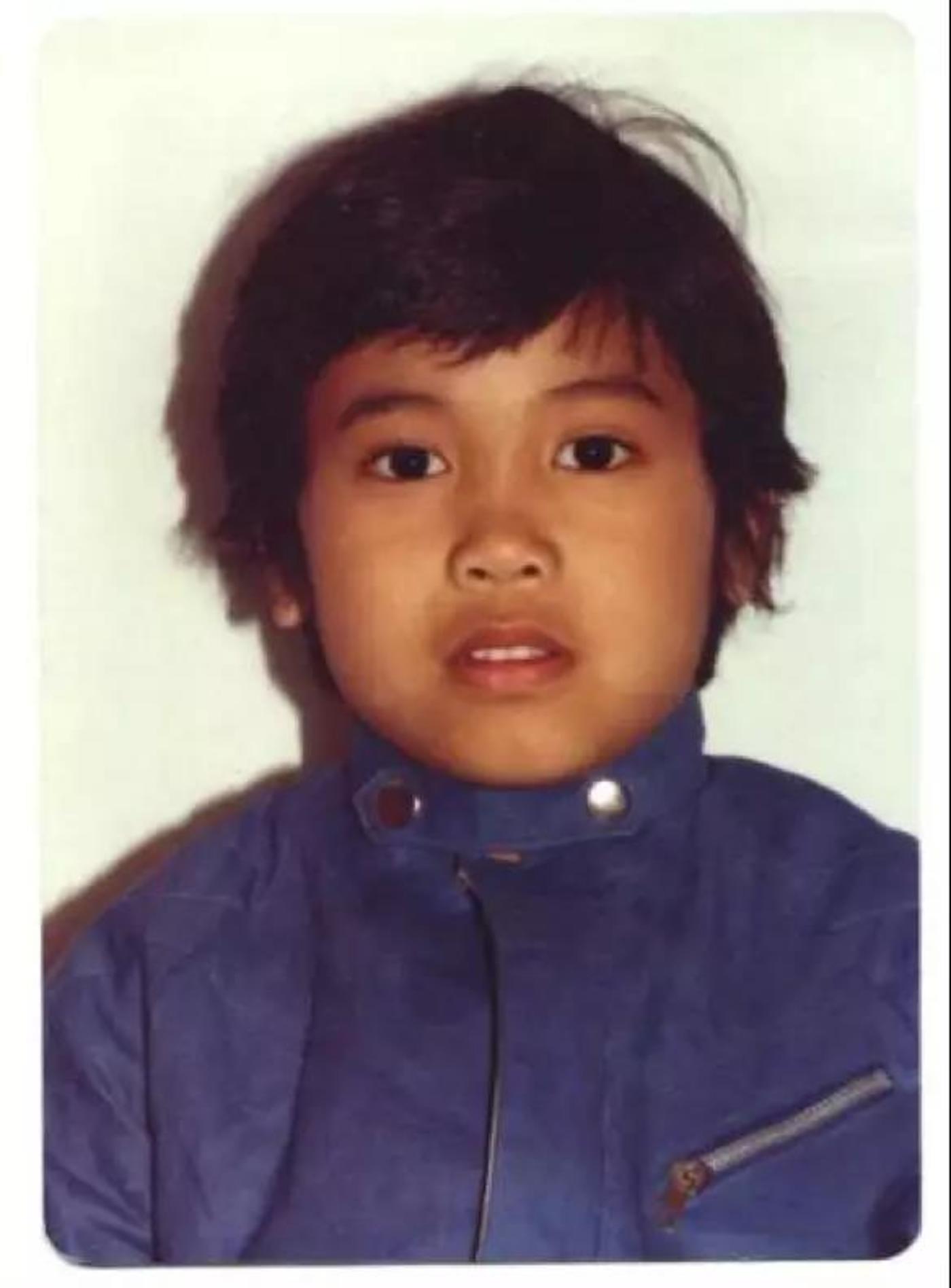 安佐斯的父母是菲律宾移民,他在美国马里兰州长大
