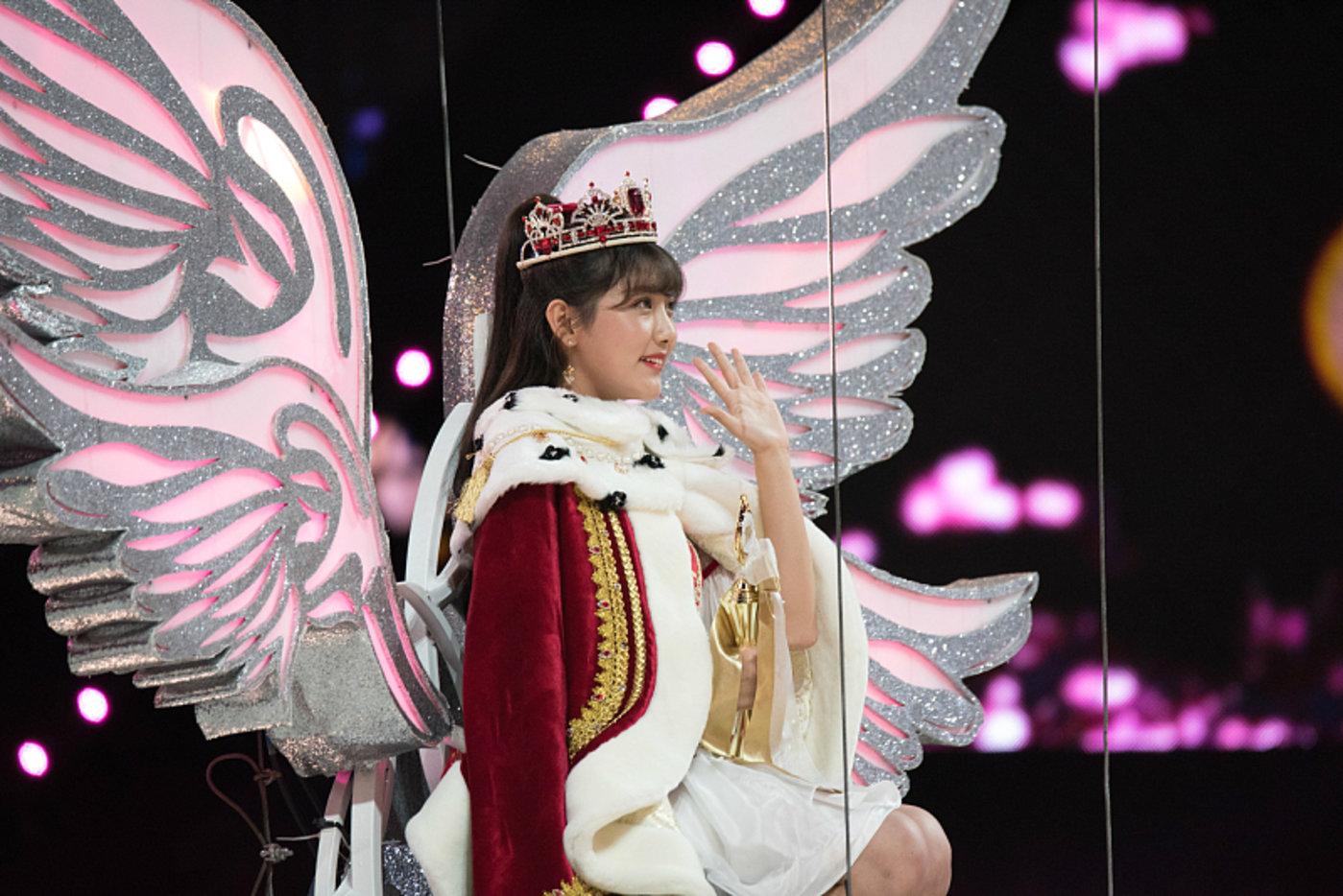 SNH48年度人气总决选第一名:李艺彤