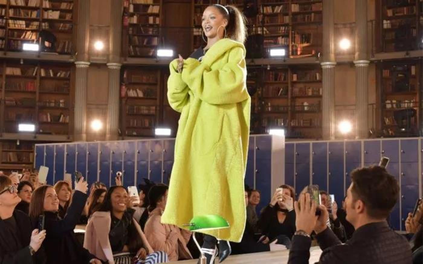 在Rihanna等明星的影响下,Fenty by Puma系列迅速变成时尚人士必备的单品