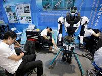 【现场直击】跟你抢工作的机器人都来这个展览了