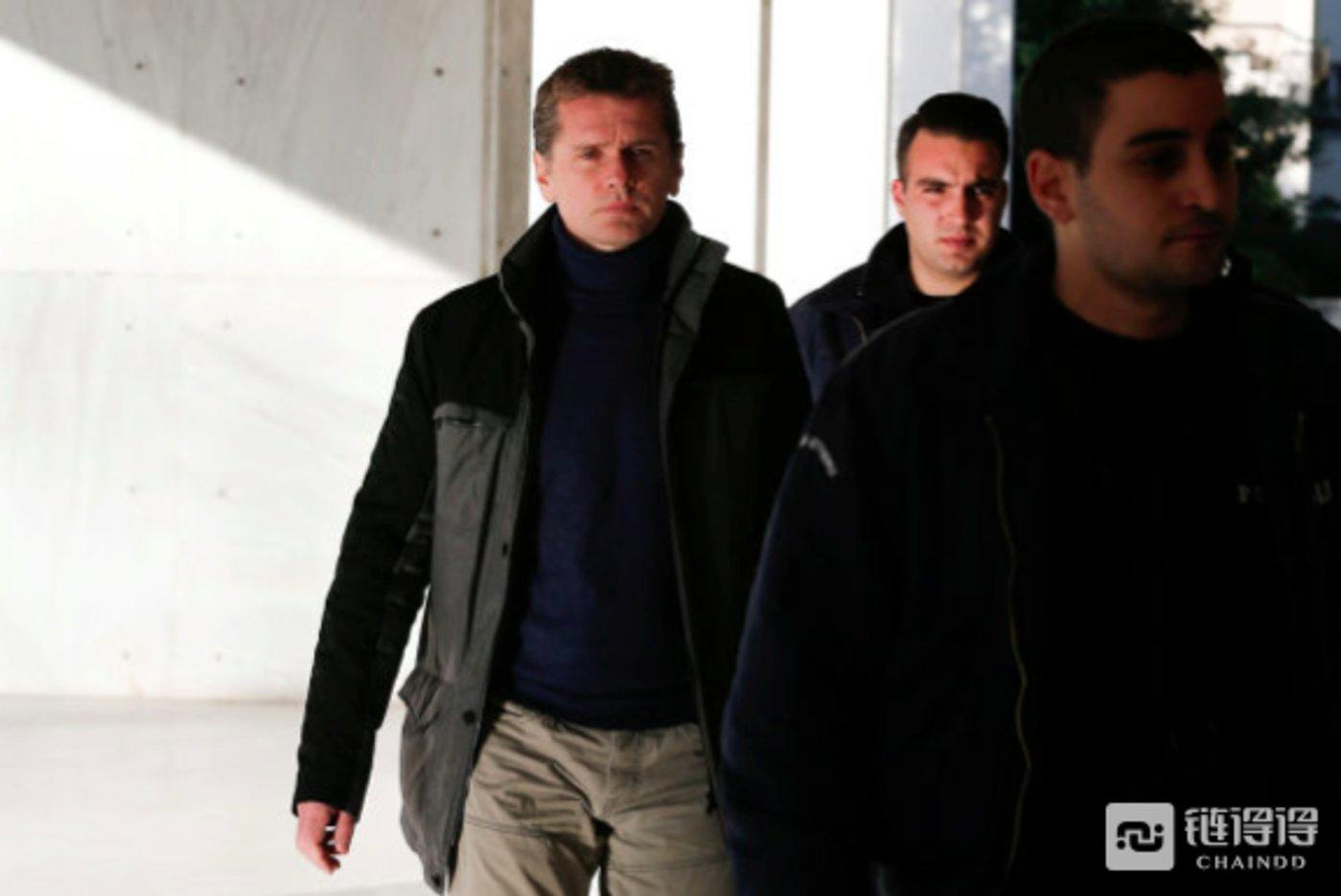 俄罗斯人Alexander Vinnik被指控利用比特币进行洗钱活动,并在希腊海滩被捕
