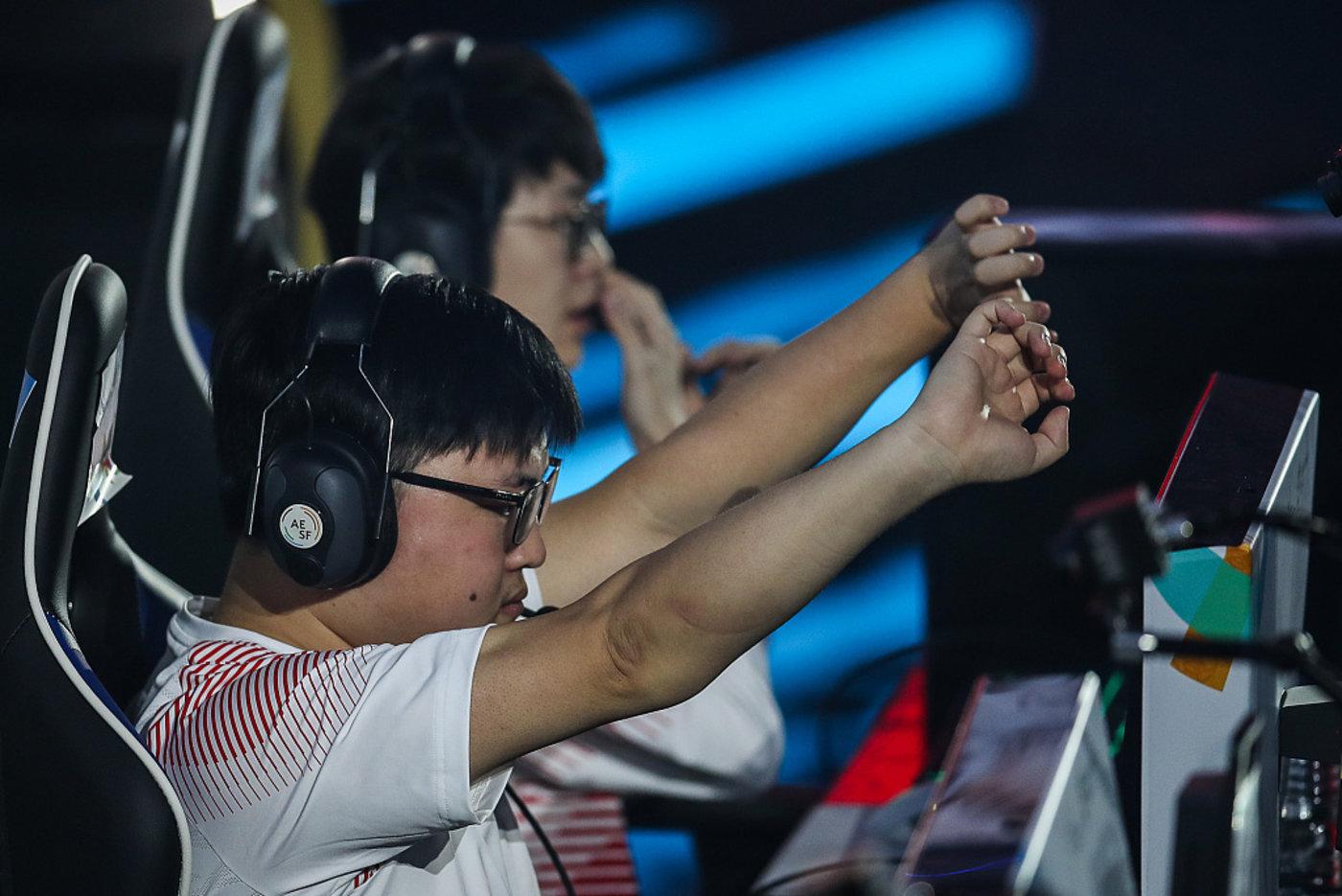 中国电竞职业选手UZI