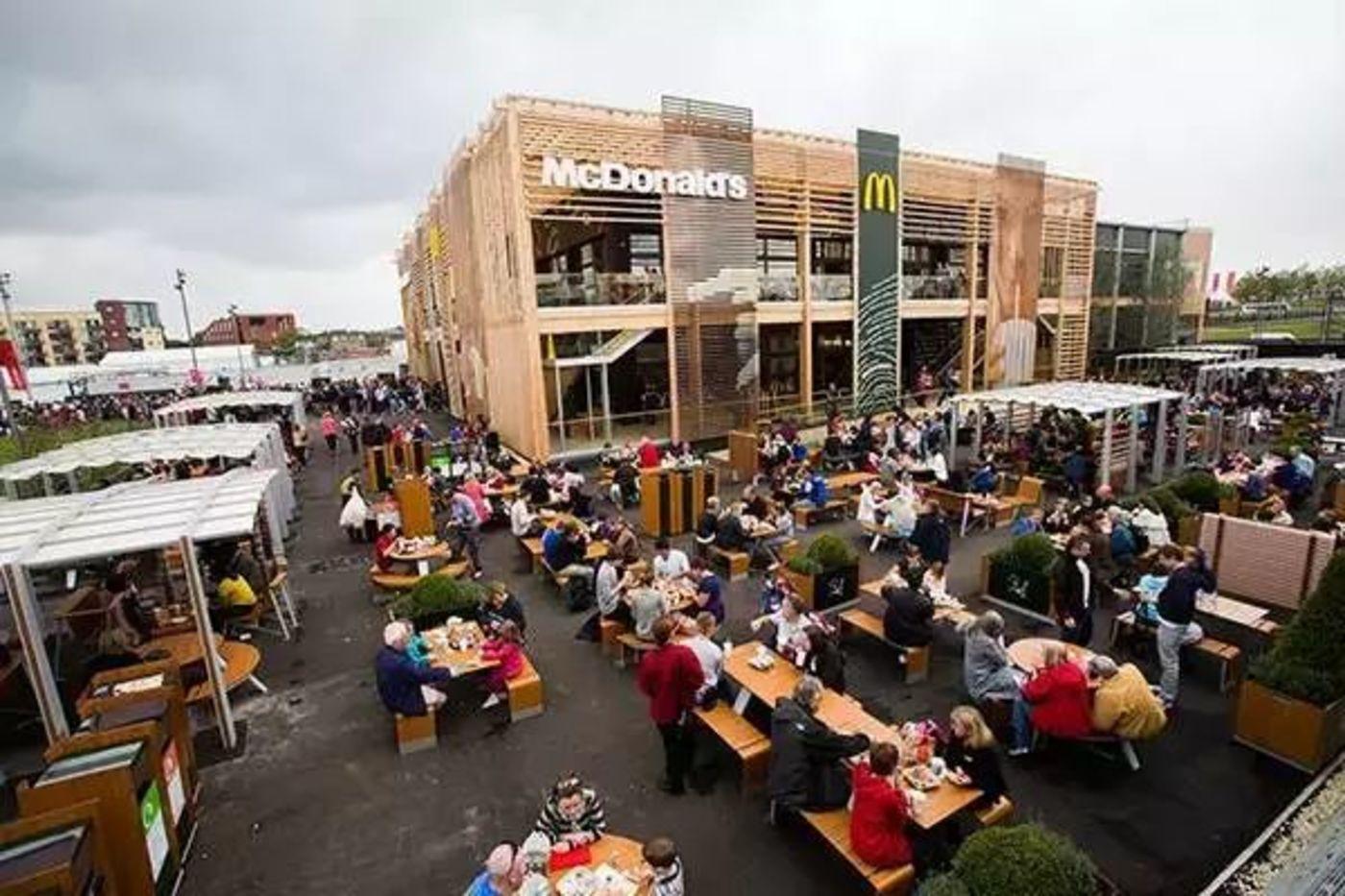 伦敦奥运村里的麦当劳