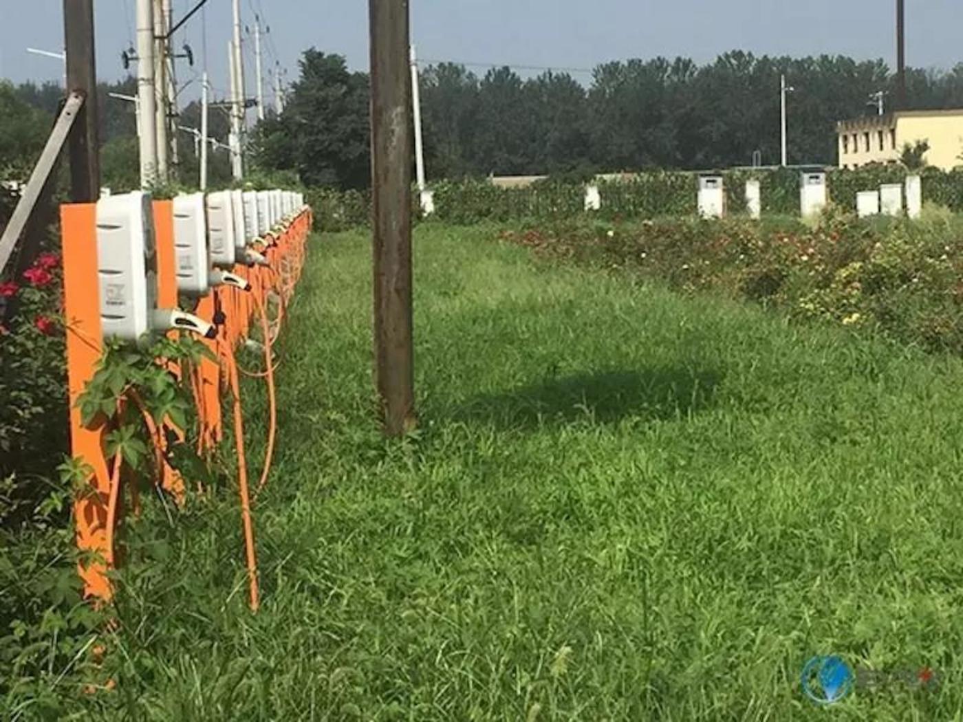 农田里的充电桩(图片来源:EV世纪)