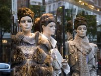 三国鼎立,谁在左右中国奢侈品电商的战局?