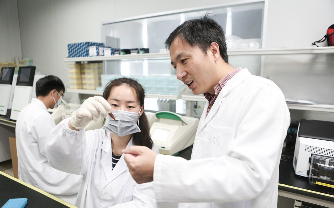 """贺建奎曾经被称为""""基因测序届的黑马"""",图片来源@视觉中国"""