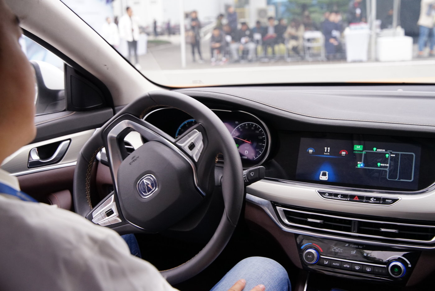 L4级自动驾驶可以满足街道行驶的需求,转弯等操作也无需人为操作