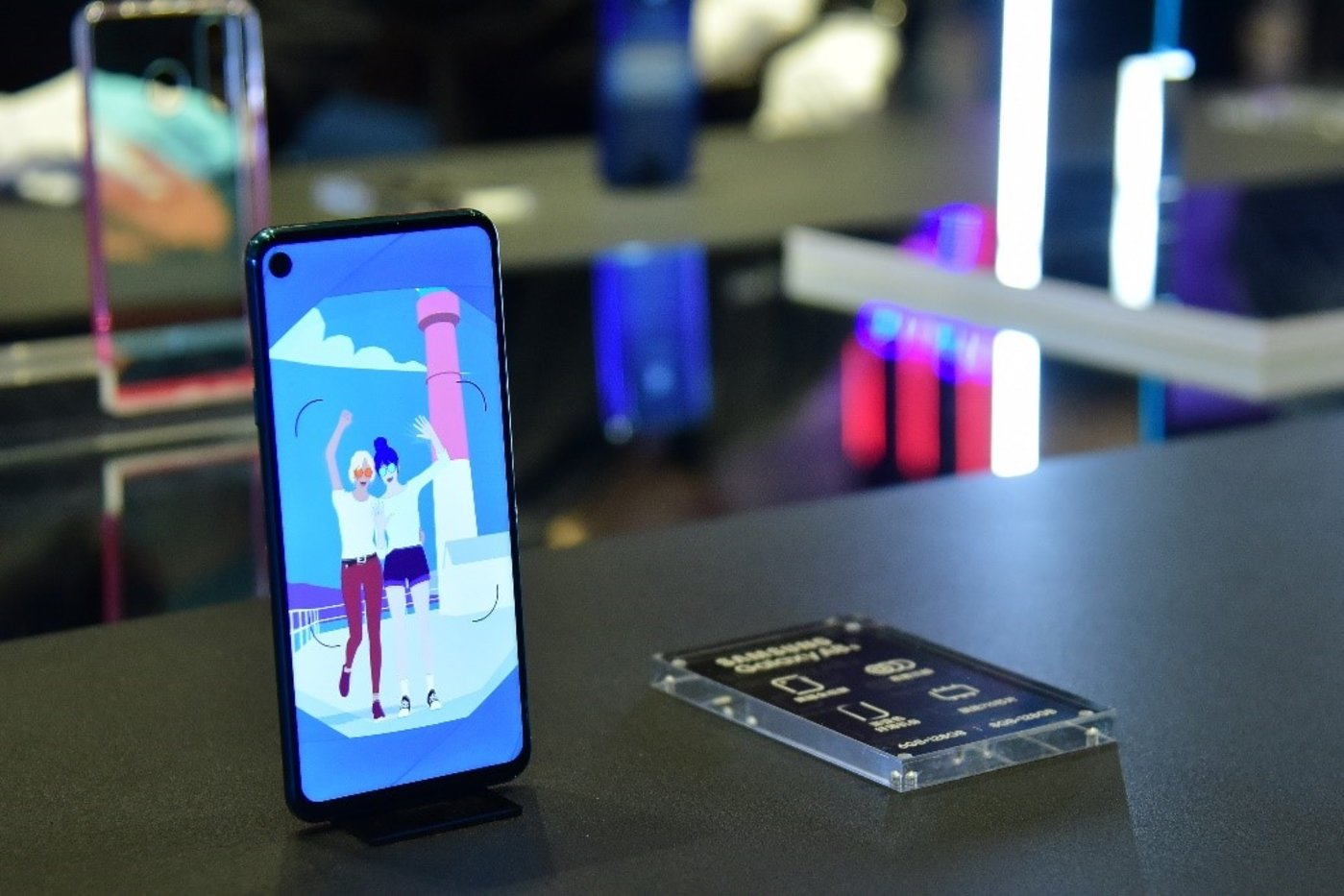 三星发布Galaxy A8s