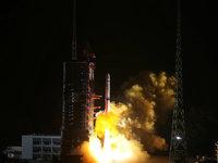"""嫦娥四号落月成功,人类首次""""打卡""""月球背面"""