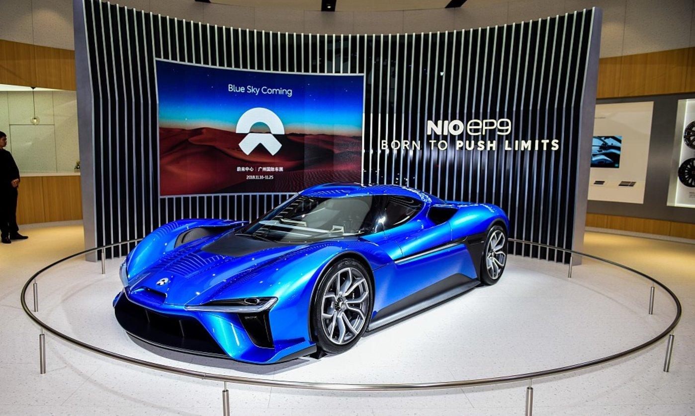蔚来位于北京展厅中的电动跑车EP9,图片来源@视觉中国